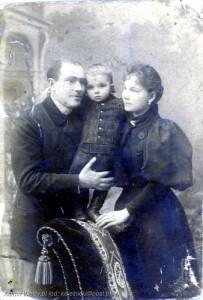 Maurycy Kisielnicki z żoną Julią i synem Maurycym ok. 1895